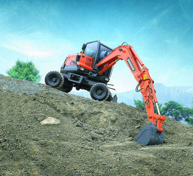 MAY XUC DAO BANH LOP DOOSAN - DX55W 2